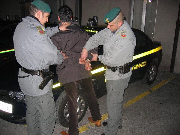 guardia di finanza arresto enna