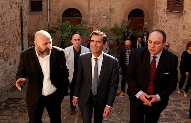 FICARRA_Mauro  Cappotto, Sandro Gozi e il sindaco Basilio Ridolfo.JPGFICARRA_Mauro Cappotto, Sandro Gozi e il sindaco Basilio  Ridolfo
