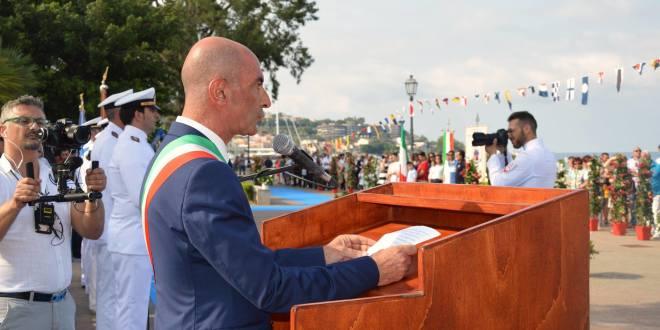 sindaco cerimonia marina