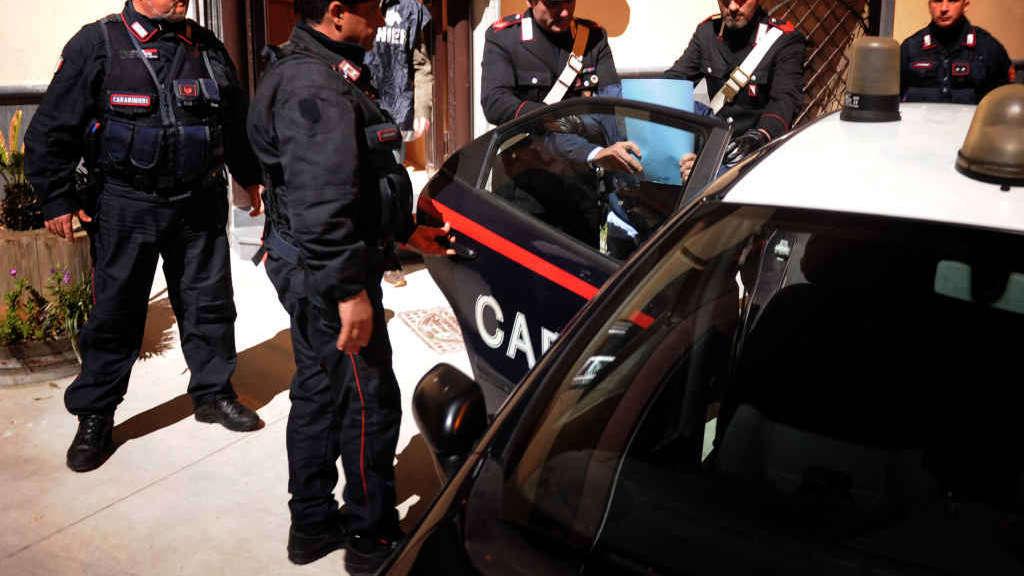img1024-700_dettaglio2_Carabinieri-arresti-Agf