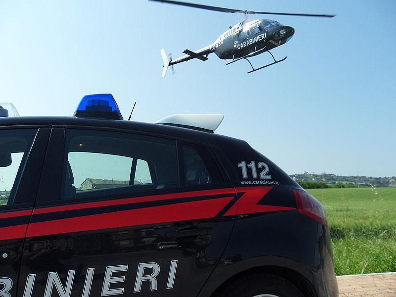 Foto repertorio intervento congiunto con elicottero dei Carabinieri