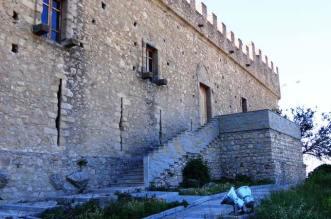 03_castello_di_montalbano_elicona_wiki_effems
