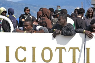 - ITALY - IMMIGRATION - REFUGEE -RESCUE - SEA -Object nameITALY - MIGRANTS - RESCUE - SEAObject nameITALY - MIGRANTS - RESCUE - SEAObject nameITALY - MIGRANTS - RESCUE - SEA