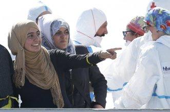 5.-Donne-migranti-sbarcate-ad-Augusta-ph.-Lapresse-Reuters-da-Il-Manifesto