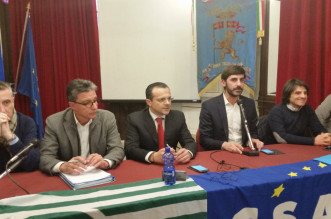 Tavolo con Villarosa e De Luca