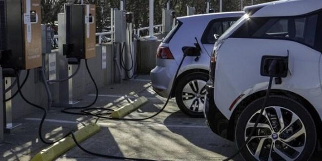Distributore di energia per auto elettriche