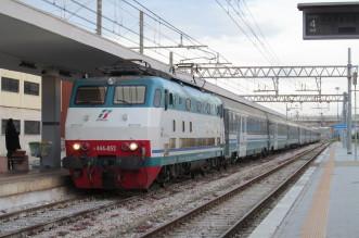 Trenitalia,_444052_Brindisi