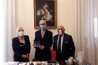 Premio Pennino d'Oro al Vescovo di Acireale Mons Raspanti