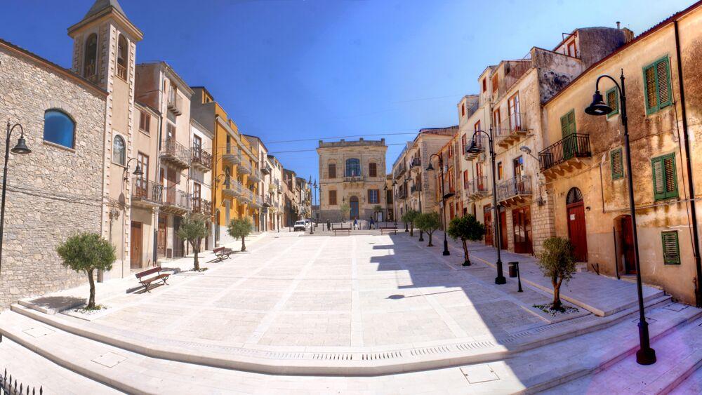 Piazza Lercara Friddi